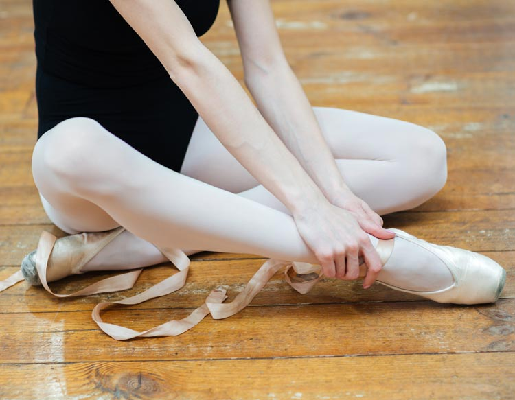 Ballerina with pain in her ankle
